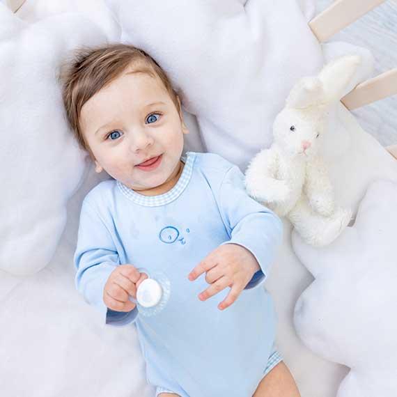 Ropa bebé - Canastillas, edredones cuna, saquitos, sábanas, moisés, pijamas, trajecitos...
